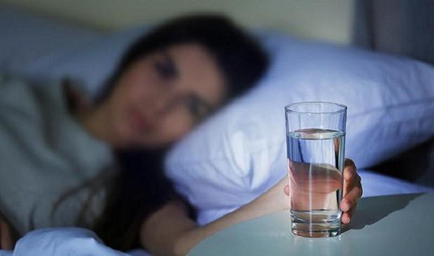 5 nguyên nhân tiềm ẩn gây ra tình trạng tiểu đêm mà nhiều người không hề hay biết - Ảnh 5.