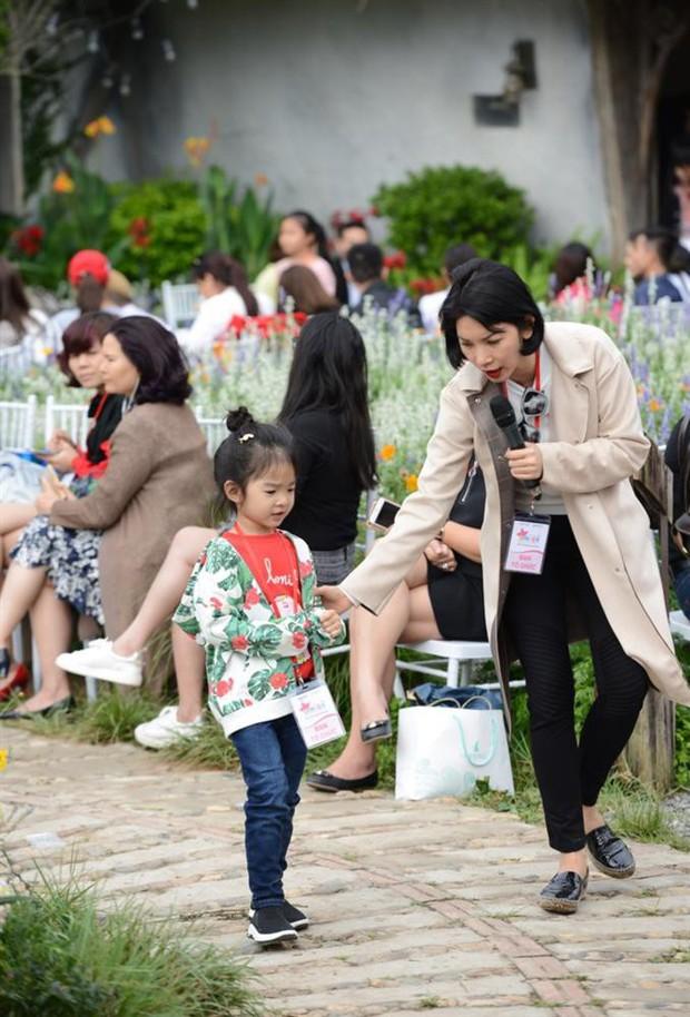 Hội trai xinh gái đẹp nhà sao Việt: Càng lớn càng có tố chất ngôi sao không thua kém gì bố mẹ - Ảnh 5.
