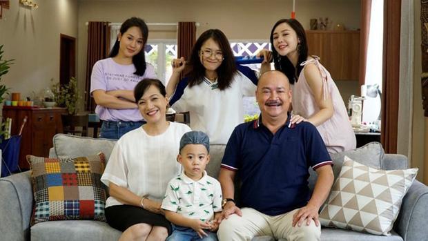 Phim giải trí gia đình Mẹ Ơi, Bố Đâu Rồi gây ấn tượng ngay tập đầu tiên lên sóng - Ảnh 7.