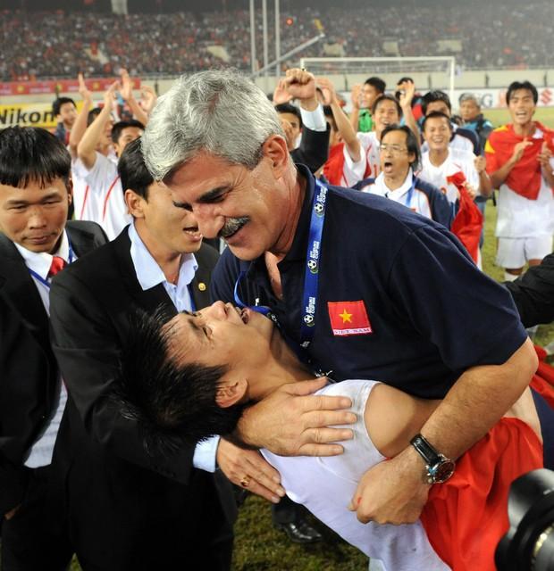 Đội hình tuyển Việt Nam vô địch AFF Cup 2008 giờ đang ở đâu? - Ảnh 1.