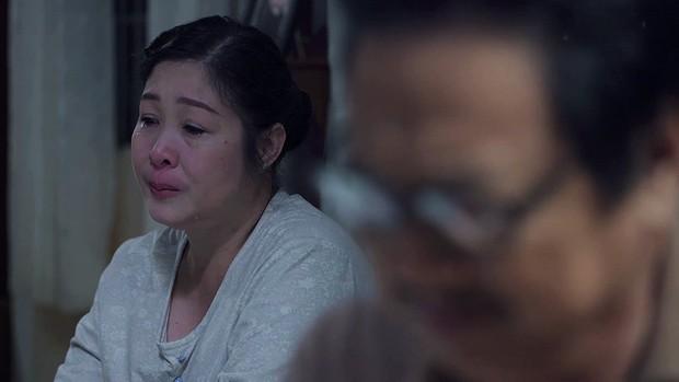 Gạo Nếp Gạo Tẻ: Thương con nhu nhược, gia đình bà Mai buộc phải ra đường vì tội lỗi mà Hân gây ra - Ảnh 11.