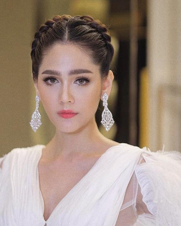 Top mỹ nhân lai đình đám nhất Thái Lan: Nhan sắc xinh đẹp, nửa kia không tỷ phú, thiếu gia thì cũng là nam thần - Ảnh 1.