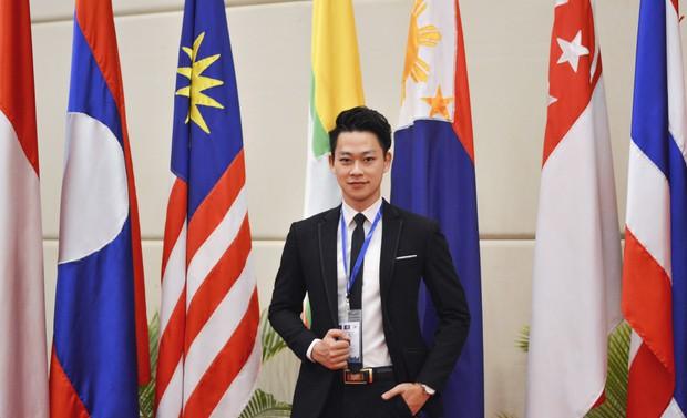 Cậu bạn Hà Nội đẹp trai, giành học bổng du học 5 nước, là thủ khoa đầu vào và tốt nghiệp ĐH với số điểm cao nhất - Ảnh 9.