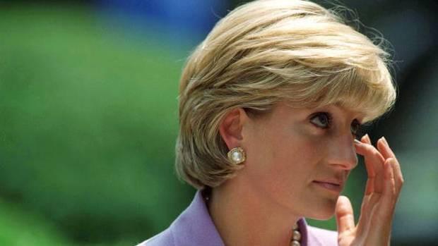 Bức thư xúc động của Công nương Diana sau cuộc phỏng vấn thừa nhận chồng ngoại tình sẽ có ánh sáng ở cuối đường hầm - Ảnh 2.