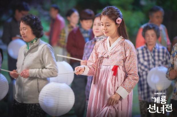 Bạn đã gặp nàng tiên xứ Hàn chờ chồng trăm năm chỉ để tìm lại... xiêm y chưa? - Ảnh 4.