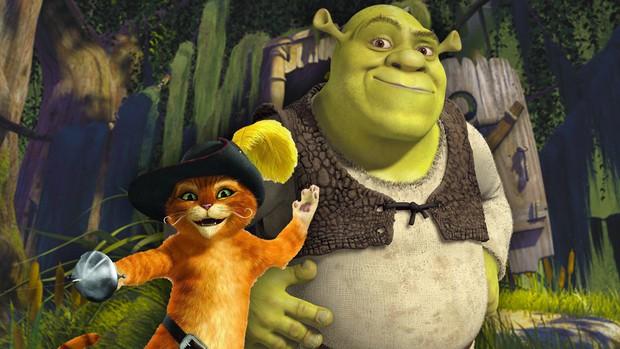 """Fan phẫn nộ khi """"Chằn tinh Shrek"""" và """"Chú mèo đi hia"""" bị vắt sữa trắng trợn - Ảnh 3."""
