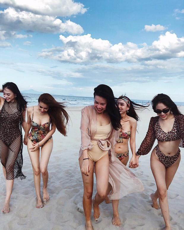 Hội bạn thân 10 năm rủ nhau diện bikini, khoe body nóng bỏng đốt cả Instagram - Ảnh 1.
