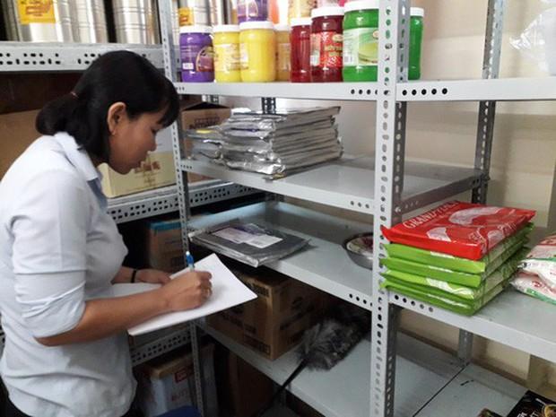 Vụ ngộ độc thực phẩm Tân Phú: Chà bông gà nhiễm tụ cầu vàng - Ảnh 1.