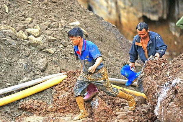 """Sập hầm vàng trái phép ở Hòa Bình: """"Mong tìm được thi thể chứ nằm dưới bùn lạnh lẽo lắm"""" - Ảnh 2."""