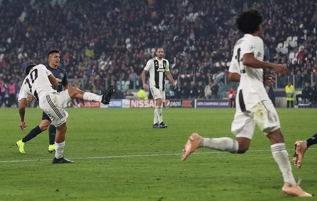 Ronaldo ghi bàn, Juventus vẫn ôm hận trước Man United vì hai bàn thua ở phút cuối - Ảnh 4.
