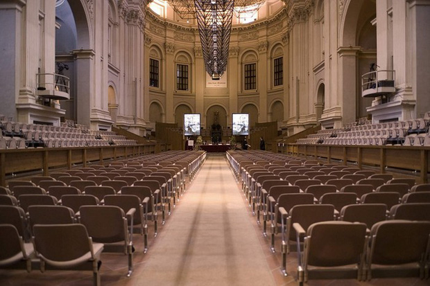 Choáng ngợp với kiến trúc nguy nga tráng lệ như cung điện Hoàng gia của ngôi trường lâu đời nhất Châu Âu - Ảnh 15.