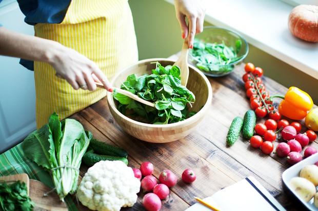 Ngăn ngừa ung thư không khó từ chính những thói quen ăn uống mà ngày nào bạn cũng có thể làm được - Ảnh 2.