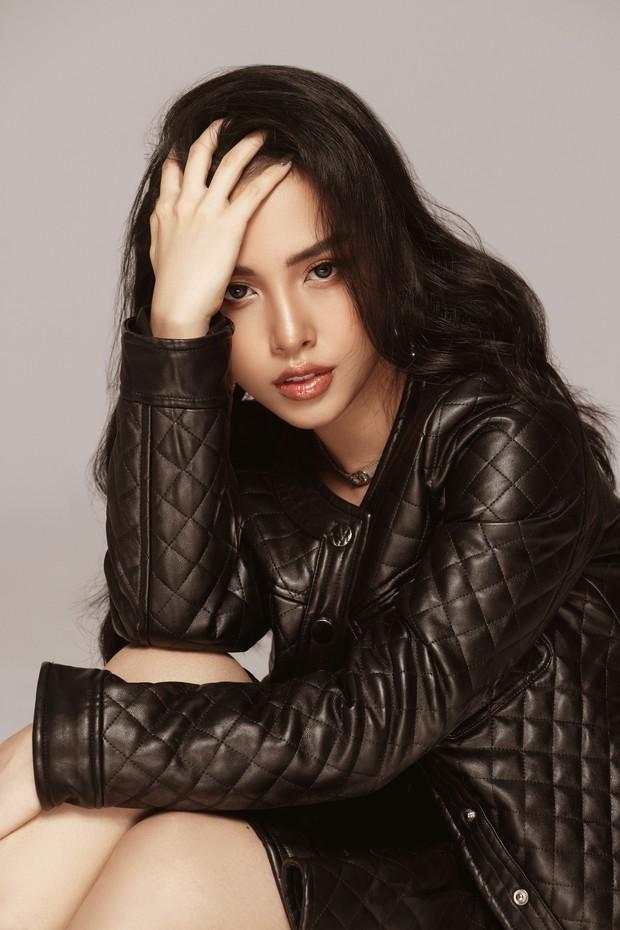 Trang Pilla khoe ảnh mới, dân tình giật mình vì quá giống Hoa hậu Tiểu Vy - Ảnh 5.