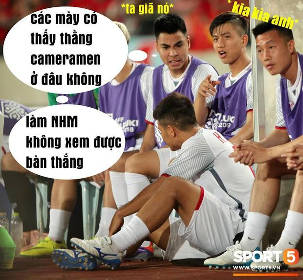 Ảnh chế AFF Cup: Dép tổ ong Việt Nam hơn đứt Tông Lào - Ảnh 6.