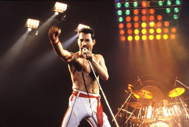 Câu chuyện về huyền thoại Freddie Mercury cùng người phụ nữ duy nhất mà ông yêu trong suốt cuộc đời - Ảnh 1.