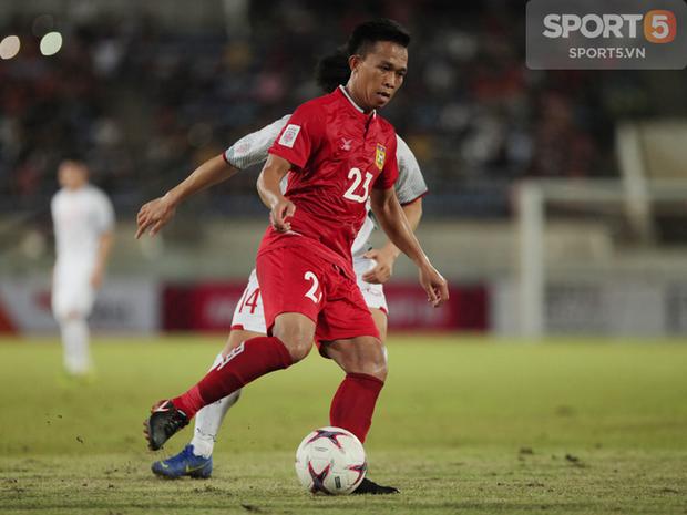 Phát hiện AFF Cup 2018: Đội trưởng Văn Quyết tìm thấy bản sao tại Lào - Ảnh 4.