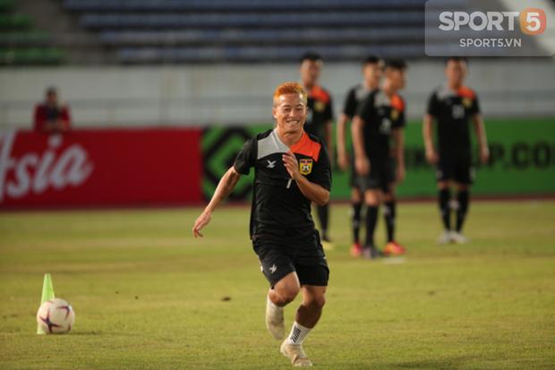 Phát hiện AFF Cup 2018: Đội trưởng Văn Quyết tìm thấy bản sao tại Lào - Ảnh 5.