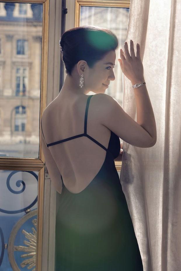 Vẻ đẹp rạng rỡ và khó tin của Marilyn Monroe Hồng Kông Chung Sở Hồng ở tuổi 57 - Ảnh 9.