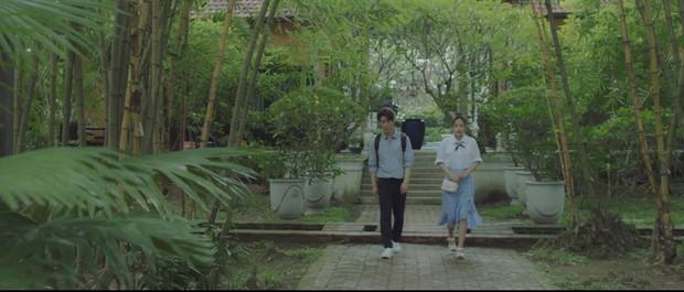 Không chỉ là cầu nối tâm linh trên phim, Chi Pu còn đưa luôn nữ thần mới Chae Yeon về Việt Nam - Ảnh 9.