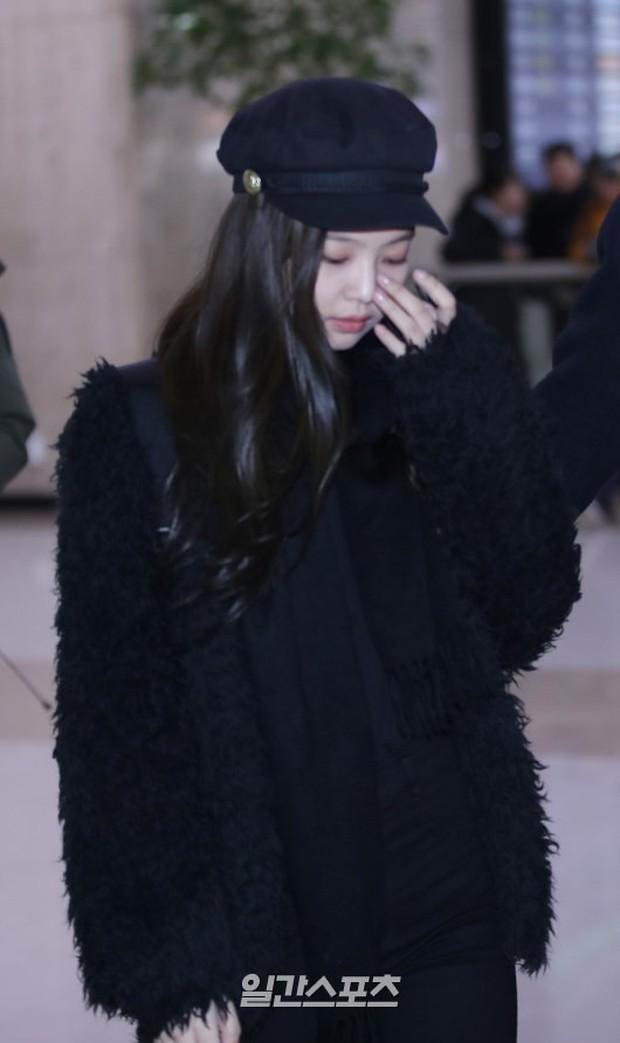 Chứng kiến màn đọ sắc hiếm hoi của 2 biểu tượng sang chảnh: Lee Sung Kyung cò hương và dàn mỹ nhân Black Pink - Ảnh 12.