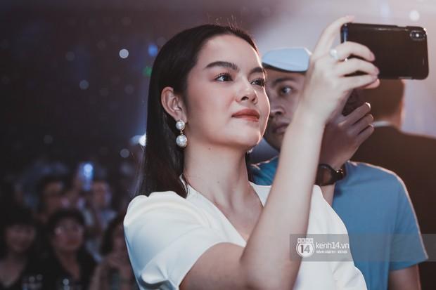 Ưng Hoàng Phúc khoá môi Kim Cương vô cùng ngọt ngào trong đám cưới - Ảnh 19.