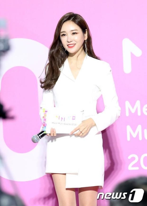 Gần 80 sao Hàn đổ bộ thảm đỏ Melon 2018: BTS khoe đẳng cấp quốc tế, loạt nữ idol gây sốc vì hở hang nhức mắt - Ảnh 37.