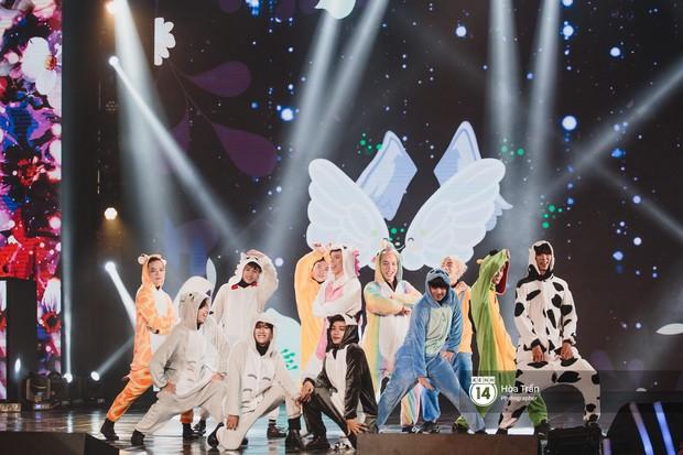 Toàn cảnh show Hàn-Việt: Đông Nhi quá đẳng cấp bên Apink, Chi Pu gây bất ngờ với vũ đạo Mời anh vào team em - Ảnh 24.