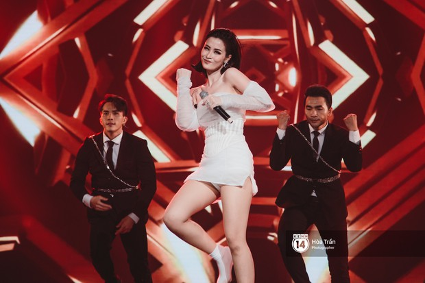 Toàn cảnh show Hàn-Việt: Đông Nhi quá đẳng cấp bên Apink, Chi Pu gây bất ngờ với vũ đạo Mời anh vào team em - Ảnh 7.