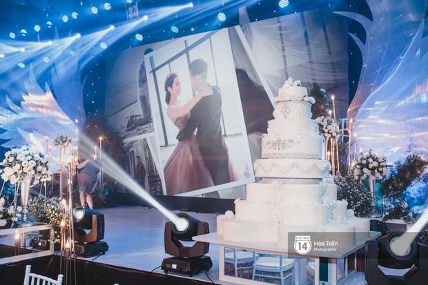 Không gian đám cưới sang trọng, ngập tràn sắc hoa của Ưng Hoàng Phúc và Kim Cương - Ảnh 9.