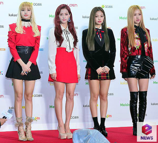 Quá mệt mỏi với những cáo buộc thiên vị, stylist YG quyết định cho Jennie quấn giẻ lên sân khấu Melon Music Award 2018 - Ảnh 1.