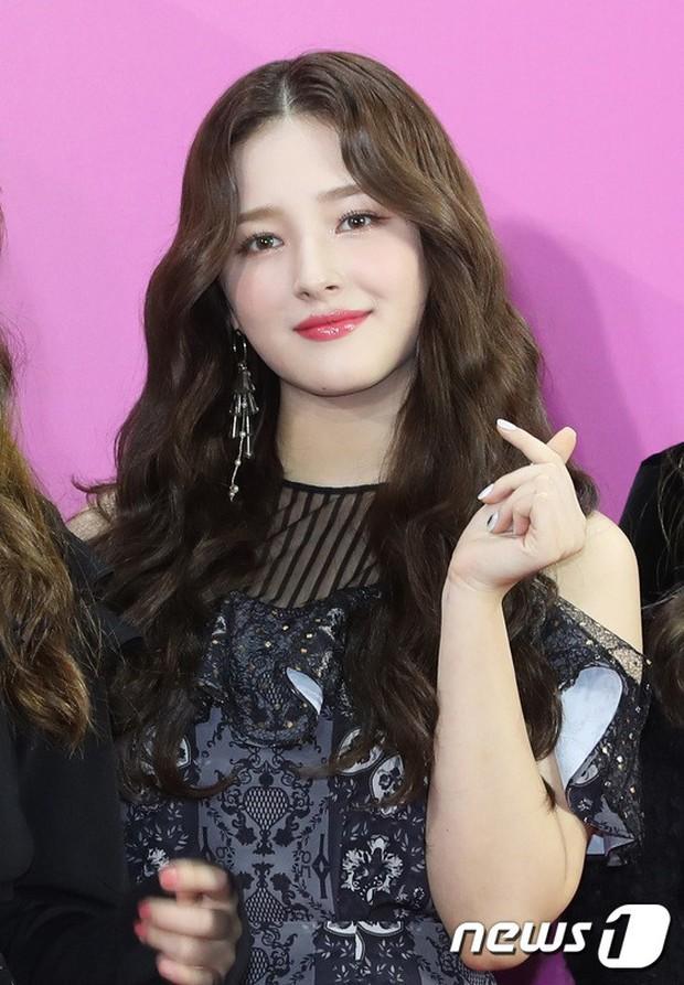Gần 80 sao Hàn đổ bộ thảm đỏ Melon 2018: BTS khoe đẳng cấp quốc tế, loạt nữ idol gây sốc vì hở hang nhức mắt - Ảnh 10.