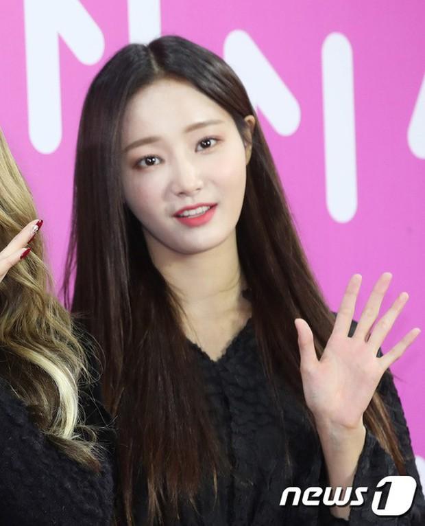 Gần 80 sao Hàn đổ bộ thảm đỏ Melon 2018: BTS khoe đẳng cấp quốc tế, loạt nữ idol gây sốc vì hở hang nhức mắt - Ảnh 18.