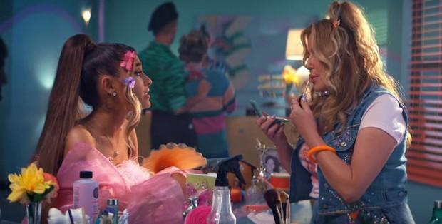 Soi nhanh trứng phục sinh trong MV mới của Ariana Grande từ hàng loạt phim kinh điển - Ảnh 18.