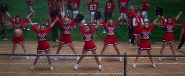 Soi nhanh trứng phục sinh trong MV mới của Ariana Grande từ hàng loạt phim kinh điển - Ảnh 10.
