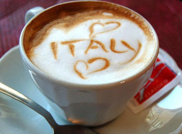 Đi du lịch thế giới, bạn cần biết những nghi thức khi ăn uống này - Ảnh 5.