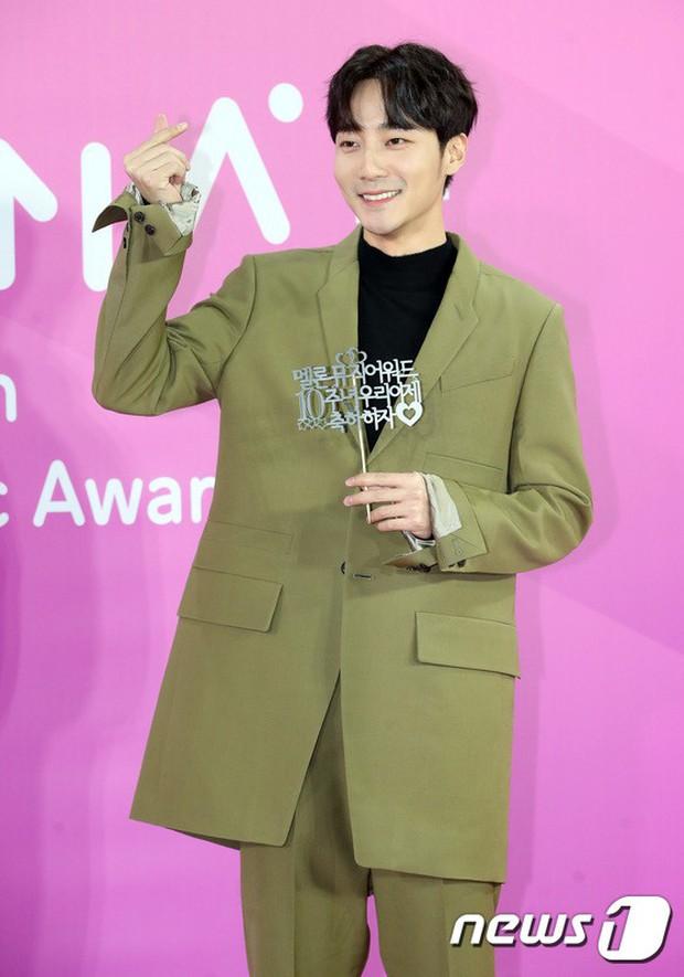 Gần 80 sao Hàn đổ bộ thảm đỏ Melon 2018: BTS khoe đẳng cấp quốc tế, loạt nữ idol gây sốc vì hở hang nhức mắt - Ảnh 38.