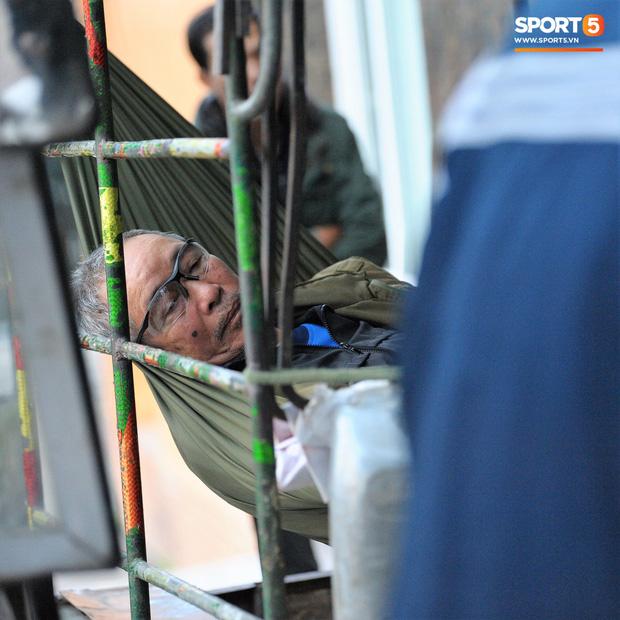 Hàng trăm người lạ phá cửa tràn vào VFF, cán bộ Liên đoàn kêu gào vì sợ hãi - Ảnh 2.