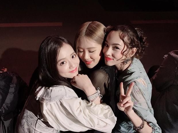 Đăng ảnh thân thiết với bạn gái cũ của G-Dragon, Jisoo và Rosé của Black Pink bị netizen Hàn cảnh báo hãy tránh xa ex của anh Long ngay! - Ảnh 1.
