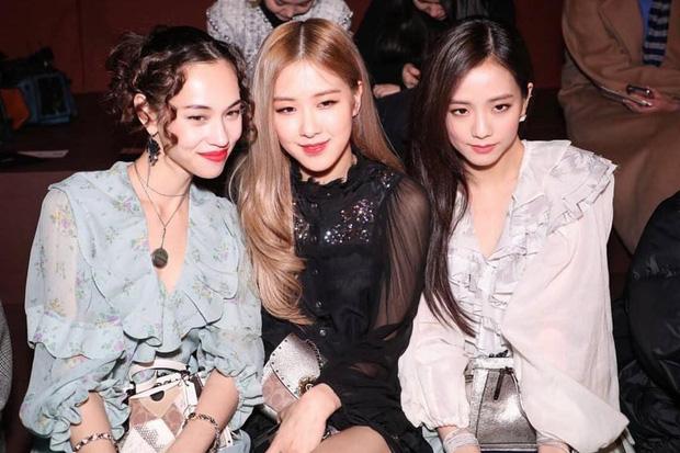 Đăng ảnh thân thiết với bạn gái cũ của G-Dragon, Jisoo và Rosé của Black Pink bị netizen Hàn cảnh báo hãy tránh xa ex của anh Long ngay! - Ảnh 2.