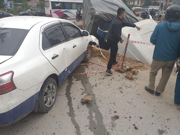 Quảng Ninh: Tránh xe tải trước mặt, xe bồn mất lái lao qua dải phân cách rồi đâm trúng 3 ô tô con bên đường - Ảnh 4.