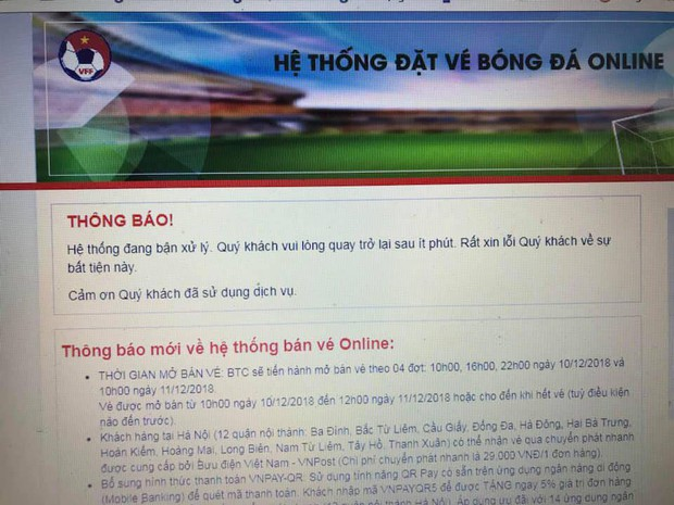 Người dân tìm mọi cách mua vé AFF cup: Mua online, trèo rào mua offline, ai may mắn thì mới có vé - Ảnh 2.