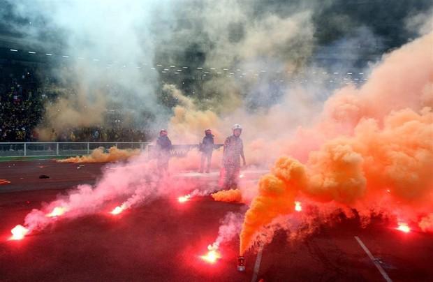 Cổ động viên Việt Nam hãy coi chừng Ultras Malaysia - đám người hung hãn khi bản năng nguyên thủy bị đánh thức - Ảnh 7.
