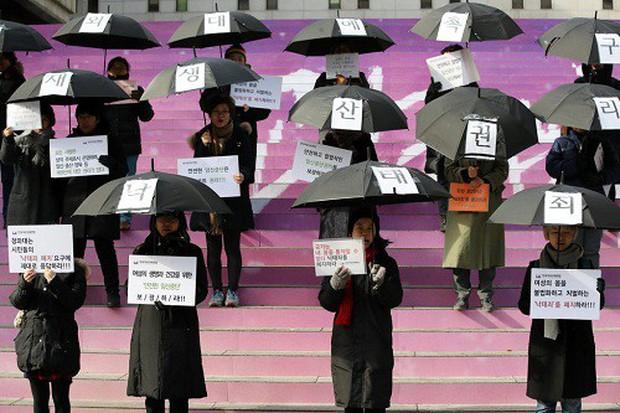 Luật về phá thai trên thế giới: Canada cho phép, Ireland vừa bỏ luật cấm, Hàn Quốc kêu gọi hợp thức hóa việc phá thai - Ảnh 2.