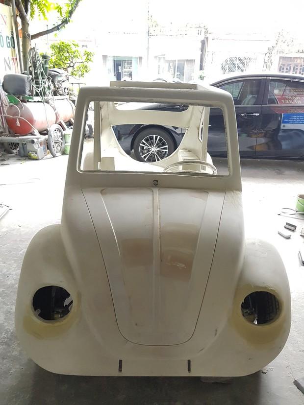Học sinh lớp 11 Nam Định tự tay chế tạo ô tô điện sạc bằng năng lượng mặt trời: Xe lội nước thoải mái, ai cũng lái được! - Ảnh 8.