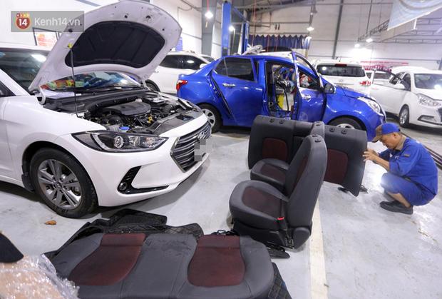 Hàng nghìn ô tô, xe máy bị đuối nước ở Đà Nẵng xếp hàng dài chờ cấp cứu - Ảnh 8.