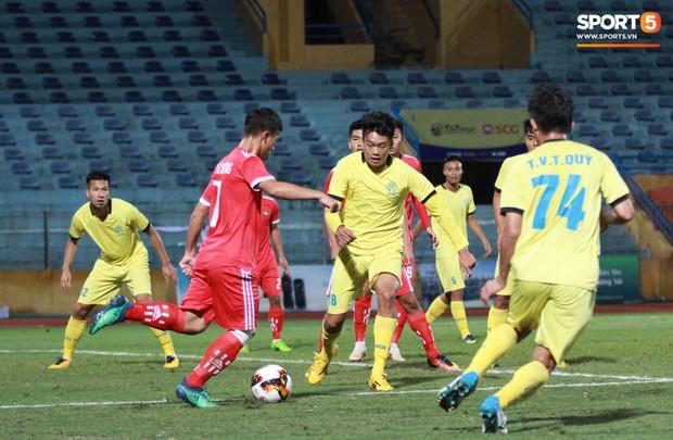 Giành chức vô địch thứ 2 liên tiếp, trung vệ U23 Việt Nam nhớ ơn thầy Park Hang-seo - Ảnh 3.