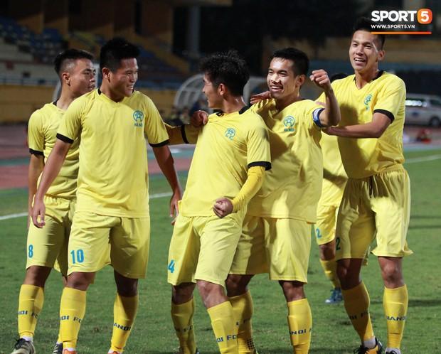 Giành chức vô địch thứ 2 liên tiếp, trung vệ U23 Việt Nam nhớ ơn thầy Park Hang-seo - Ảnh 5.
