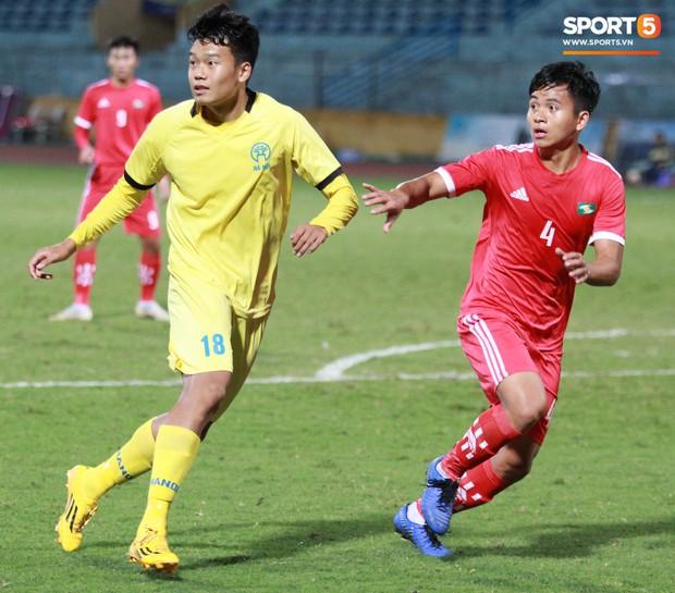 Giành chức vô địch thứ 2 liên tiếp, trung vệ U23 Việt Nam nhớ ơn thầy Park Hang-seo - Ảnh 1.