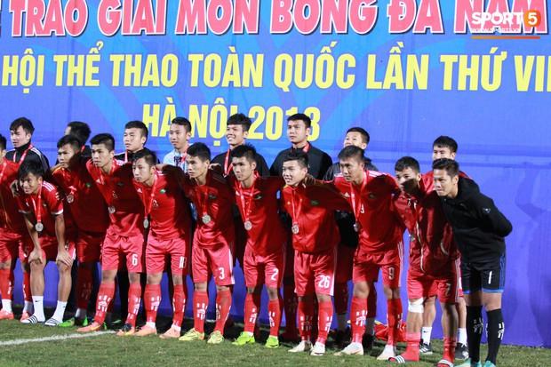 Giành chức vô địch thứ 2 liên tiếp, trung vệ U23 Việt Nam nhớ ơn thầy Park Hang-seo - Ảnh 8.