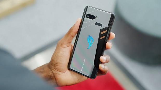Smartphone đầu tiên thế giới biết tự sạc chính mình, đỉnh cao năng lượng vô tận là đây! - Ảnh 1.